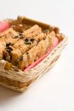 Μπισκότα στο χέρι - γίνοντα πιάτο στοκ εικόνες με δικαίωμα ελεύθερης χρήσης