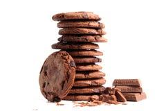 Μπισκότα τσιπ σοκολάτας που απομονώνονται στο λευκό Στοκ φωτογραφίες με δικαίωμα ελεύθερης χρήσης