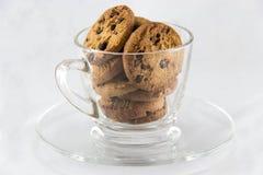 Μπισκότα τσιπ σοκολάτας σε ένα γυαλί Στοκ εικόνες με δικαίωμα ελεύθερης χρήσης