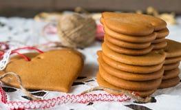 Μπισκότα φιαγμένα από ζύμη μελιού Στοκ Εικόνα