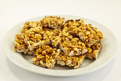 Μπισκότα φυστικιών στο πιάτο Στοκ φωτογραφία με δικαίωμα ελεύθερης χρήσης