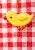 Μπισκότο μελοψωμάτων - λίγος νεοσσός Στοκ Εικόνες