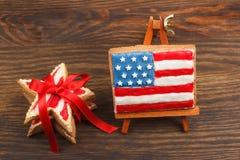 Μπισκότο με τα αμερικανικά πατριωτικά χρώματα με την κορδέλλα Στοκ φωτογραφίες με δικαίωμα ελεύθερης χρήσης