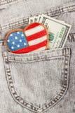 Μπισκότο με τα αμερικανικά πατριωτικά χρώματα στην τσέπη Στοκ φωτογραφία με δικαίωμα ελεύθερης χρήσης
