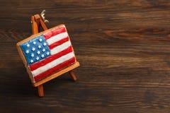 Μπισκότο με τα αμερικανικά πατριωτικά χρώματα easel Στοκ φωτογραφία με δικαίωμα ελεύθερης χρήσης