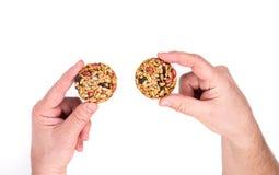 Μπισκότο με τους σπόρους, τα καρύδια και τις σταφίδες ηλίανθων Στοκ φωτογραφίες με δικαίωμα ελεύθερης χρήσης
