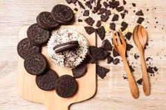 Μπισκότο σοκολάτας και cupcake Στοκ Εικόνες