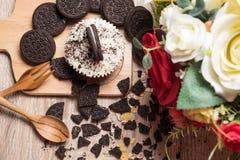 Μπισκότο σοκολάτας και cupcake Στοκ φωτογραφίες με δικαίωμα ελεύθερης χρήσης
