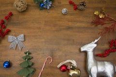 Μπιχλιμπίδια ταράνδων και Χριστουγέννων Στοκ Εικόνες