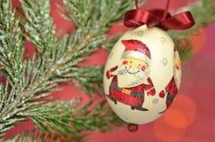 Μπιχλιμπίδι Χριστουγέννων που γίνεται από την τεχνική decoupage Στοκ Φωτογραφίες