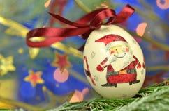 Μπιχλιμπίδι Χριστουγέννων που γίνεται από την τεχνική decoupage Στοκ φωτογραφίες με δικαίωμα ελεύθερης χρήσης