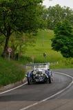 Μπλε Άστον Martin Le Mans κατά τη διάρκεια 1000 Miglia Στοκ εικόνες με δικαίωμα ελεύθερης χρήσης