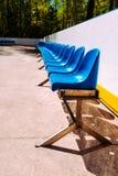 μπλε έδρα Στη σειρά Για να προσέξει ένα αθλητικό θέαμα Στοκ φωτογραφίες με δικαίωμα ελεύθερης χρήσης