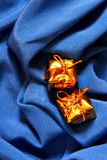μπλε ακριβά δώρα ανασκόπησ& Στοκ εικόνα με δικαίωμα ελεύθερης χρήσης