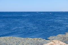 Μπλε ακτή τρυπών στη Ερυθρά Θάλασσα, Sinai στοκ φωτογραφία