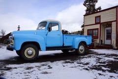 Μπλε ανοιχτό φορτηγό Στοκ Εικόνες