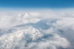 Μπλε αφηρημένη σύγχρονη τοπ άποψη σύννεφων υποβάθρου σύστασης - καθιερώνων τη μόδα ιστοχώρος επιχειρησιακών προτύπων για την επιχ Στοκ Φωτογραφίες