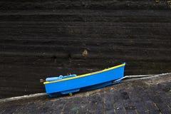 μπλε βάρκα μικρή Στοκ Εικόνες
