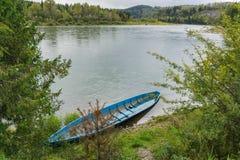 μπλε βάρκα παλαιά Στοκ εικόνες με δικαίωμα ελεύθερης χρήσης