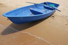 μπλε βάρκα στοκ εικόνες με δικαίωμα ελεύθερης χρήσης