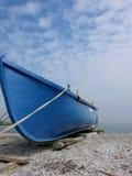 μπλε βάρκα στοκ φωτογραφία