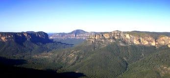 μπλε βουνά στοκ φωτογραφία με δικαίωμα ελεύθερης χρήσης