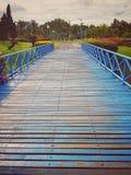 μπλε γέφυρα ξύλινη Στοκ Εικόνες