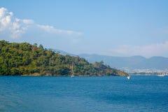 Μπλε γιοτ θάλασσας, κόλποι Fethiye, Mugla, Τουρκία στοκ φωτογραφίες