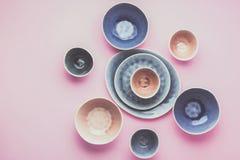 Μπλε, γκρίζο dinnerware andbeige στοκ φωτογραφία με δικαίωμα ελεύθερης χρήσης