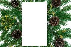 μπλε γυαλί σύνθεσης Χριστουγέννων μπιχλιμπιδιών Κενό εγγράφου, κλάδοι δέντρων έλατου Χριστουγέννων, Στοκ φωτογραφίες με δικαίωμα ελεύθερης χρήσης