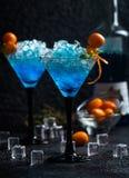 μπλε γυαλιά martini κοκτέιλ Στοκ φωτογραφία με δικαίωμα ελεύθερης χρήσης
