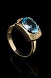 μπλε δαχτυλίδι topaz Στοκ Εικόνες