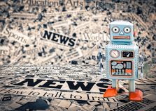 Μπλε δημοσιογράφων ρομπότ ειδήσεων Στοκ Εικόνα