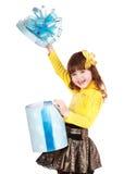 μπλε δώρο παιδιών πεταλού& Στοκ Εικόνες