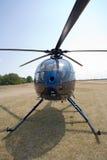 μπλε επίγειο ελικόπτερ&omi στοκ εικόνα