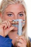 μπλε εργασία γυναικών ενδυμάτων klemptner Στοκ Φωτογραφία
