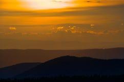 μπλε ηλιοβασίλεμα κορυφογραμμών Στοκ Φωτογραφίες