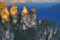 μπλε ηλιοβασίλεμα τρία αδελφών βουνών της Αυστραλίας nsw Στοκ εικόνα με δικαίωμα ελεύθερης χρήσης