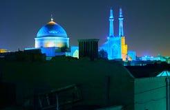 Μπλε θόλοι το βράδυ Yazd, Ιράν στοκ εικόνες