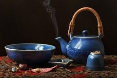 μπλε καθορισμένο τσάι νύχτ&a Στοκ εικόνα με δικαίωμα ελεύθερης χρήσης