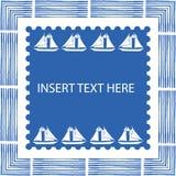 Μπλε και άσπρο ναυτικό πλαίσιο με τα στοιχεία βουρτσών και συρμένες τις χέρι πλέοντας βάρκες στο τετραγωνικό κέντρο με τη μαγειρε ελεύθερη απεικόνιση δικαιώματος