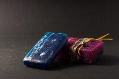 Μπλε και πορφυρά χειροποίητα σαπούνια Στοκ Φωτογραφία