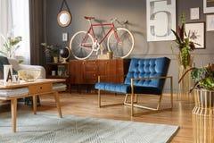Μπλε και χρυσή πολυθρόνα Στοκ Φωτογραφία