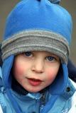 μπλε καπέλο αγοριών λίγα Στοκ Φωτογραφίες
