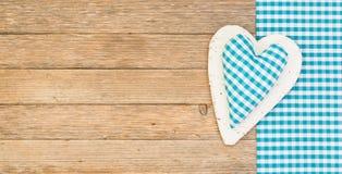 Μπλε καρδιά για το υπόβαθρο ημέρας πατέρων με το διάστημα αντιγράφων Στοκ Εικόνες
