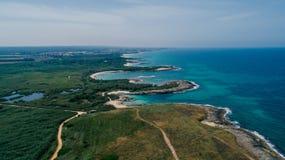 Μπλε κηφήνας 360 θερινών ακτών θάλασσας της Ιταλίας Apulia vr στοκ εικόνες