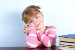 μπλε κορίτσι ματιών βιβλίω& Στοκ φωτογραφία με δικαίωμα ελεύθερης χρήσης