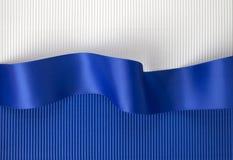 μπλε κορδέλλα εμβλημάτων Στοκ εικόνα με δικαίωμα ελεύθερης χρήσης