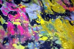 Μπλε κόκκινα χρυσά ρόδινα, ζωηρόχρωμα ζωηρά κέρινα χρώματα, δημιουργικό υπόβαθρο αντιθέσεων Στοκ φωτογραφίες με δικαίωμα ελεύθερης χρήσης