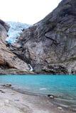 Μπλε λίμνη από τον παγετώνα Στοκ εικόνα με δικαίωμα ελεύθερης χρήσης